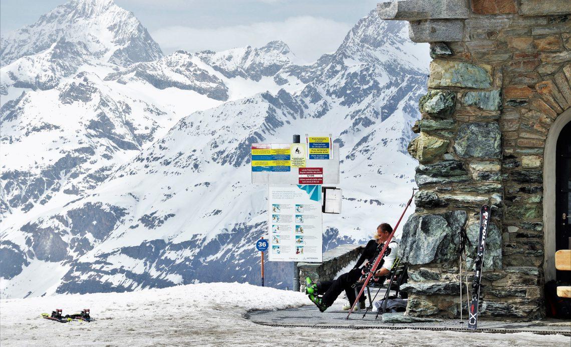 ubezpieczony narciarz